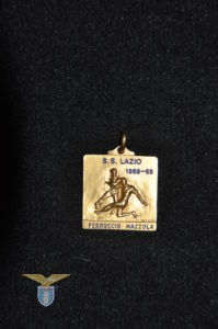 """1968/69, medaglia fronte """"Lega Calcio 1968/69"""" a Ferruccio Mazzola"""